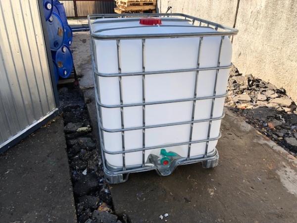 Еврокуб 1000 л, б/у, чистый пропаренный из под тех. веществ (поддон металл/пластик)