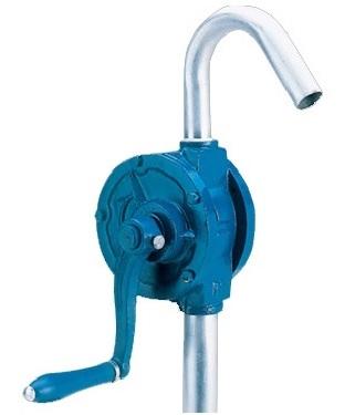 Ручной топливный насос для установки на бочки объемом двести литров.Возможность реверсивной работы. Подходит для любых сосудов, имеющих горловину от 35 миллиметров и более