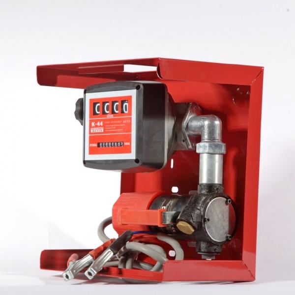 топливный насос производительностью шестьдесят литров в минуту на металлической панеле со счётчиком с минимальной погрешностью в один процент по низкой цене в Москве.